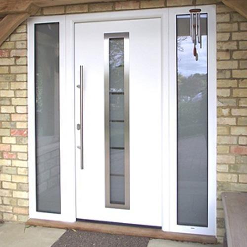 входные двери с боковыми элементами